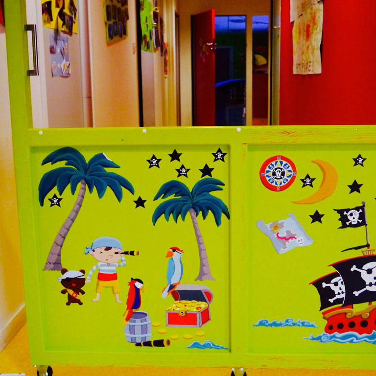 les petits pirates cr che inter entreprise au nord de nantes qui sommes nous les petits. Black Bedroom Furniture Sets. Home Design Ideas